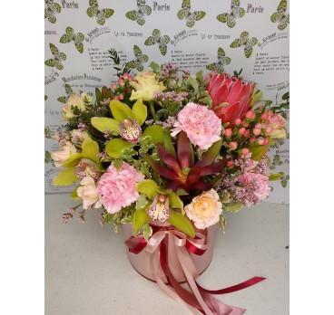 Коробка с цветами №34