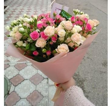 Букет из кустовых роз №4
