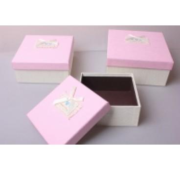 Коробка из 3 шт Квадрат розовая крышка 19*19*9 см